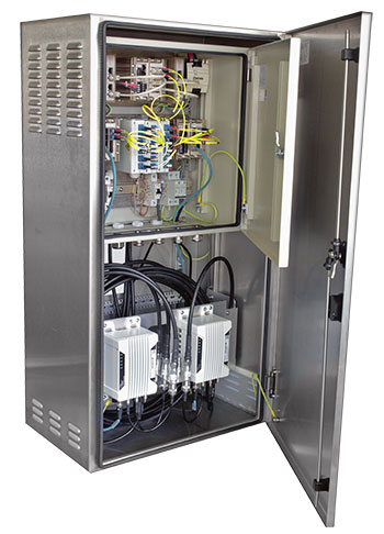 Tre-box holding Westemo Ethernet and WLAN technology.